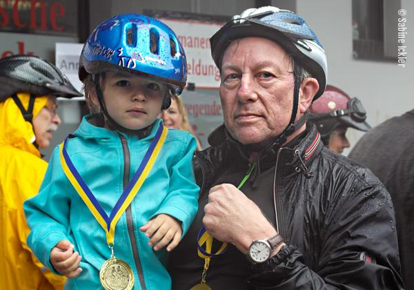 ig-bismarck-ebike-tour-310716-medaillienausgabe-juengster-teilnehmer