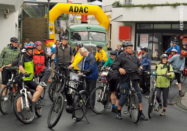 ig-bismarck-ebike-tour-310716-vordemstart-ebikes